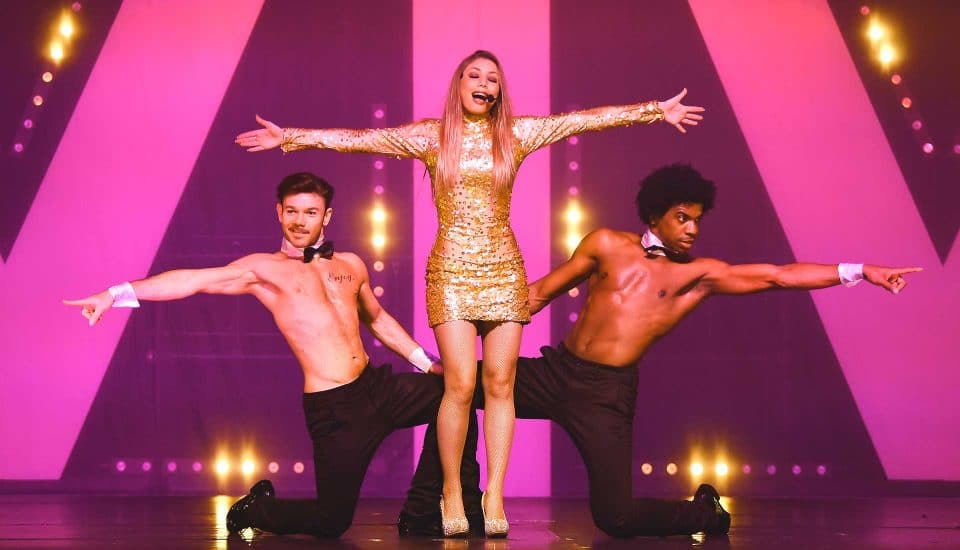 Spectacle-Caprice-Chanteuse-Boys