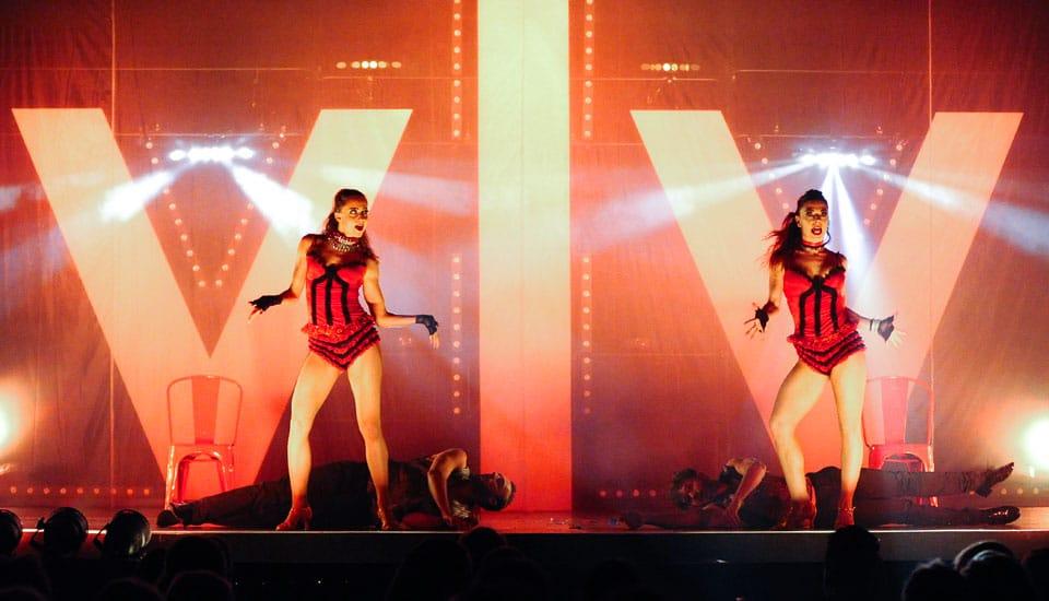 Spectacle Caprice, Cabaret, danseuses, Voulez-Vous